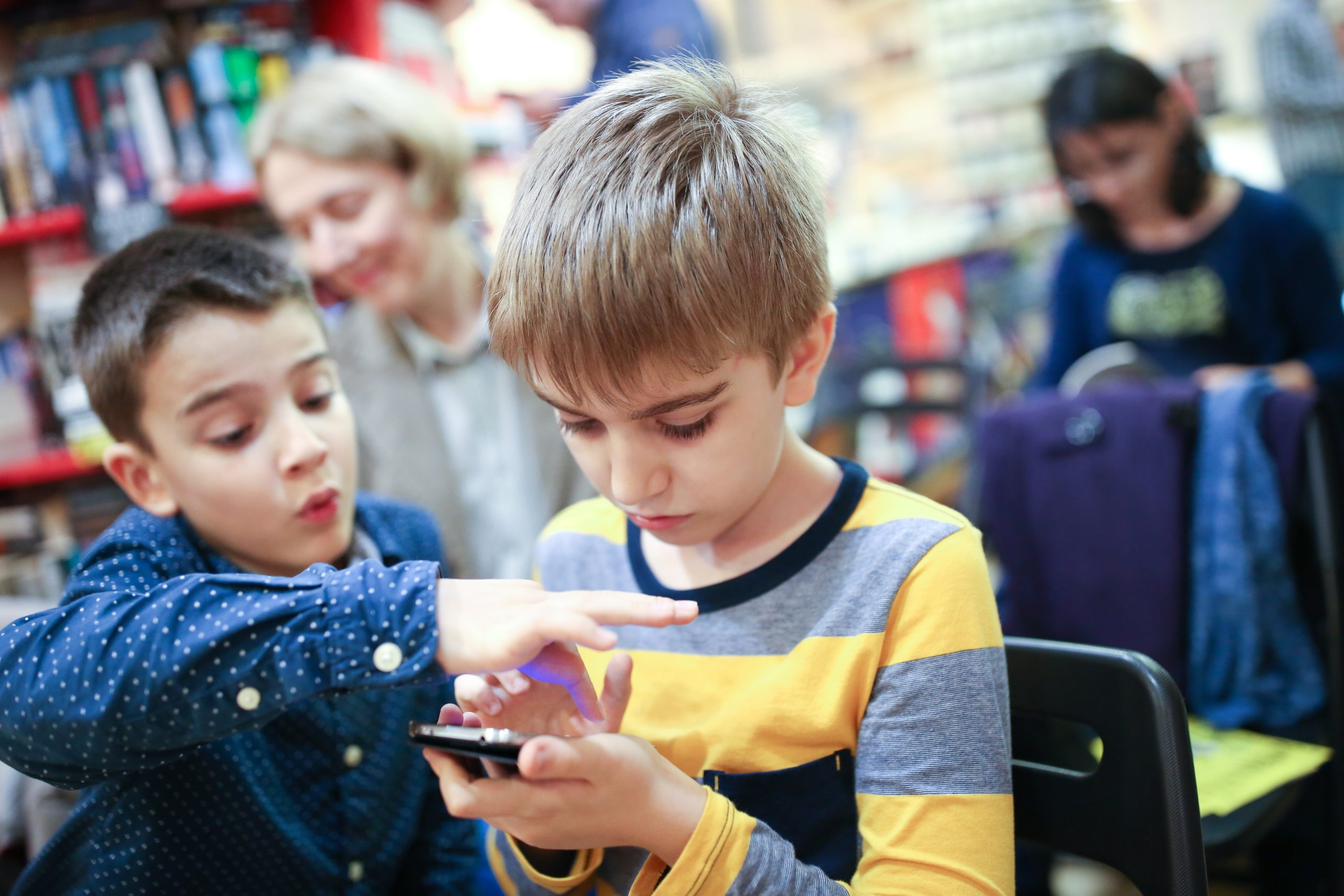 Nativii digital cresc la tine in casa. Ce stii despre ei? #borndigital 1